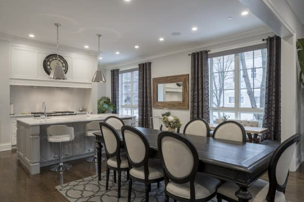 interior-shot-luxurious-house-dining-room_181624-10412